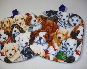 Set of 2 Adorable Puppies allover print cotton Potholders