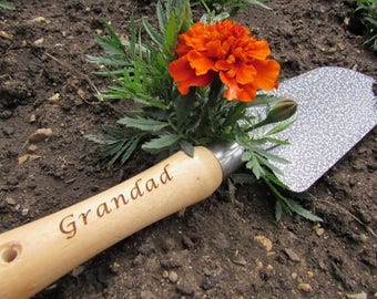 Personalised engraved garden trowel. Your message laser engraved in the handle. Great personal gift for gardeners of all ages!