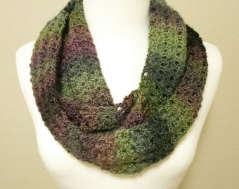 Crochet Infinity Scarf in Green and Pink