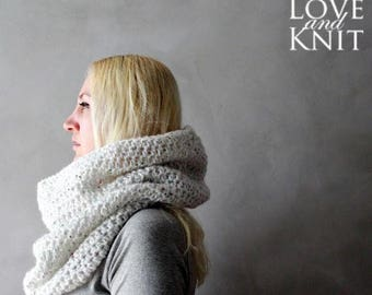 Sale Chunky Cowl White Crochet Cowl Scarf Womens Snood Chunky Scarf Winter Scarf Knit Cowl Handmade Scarf Infinity Scarf Oversized Circle Sc
