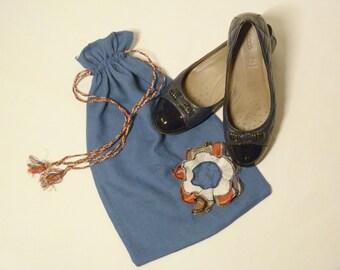 Linen shoe bag, travel shoe bag, laundry bag, bag for shoe storage, bag for changing shoes, bag with floral shoes