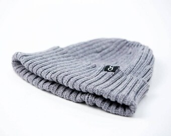 SISUMAN BEANIE - Men's winter hat in two styles. Slouchy beanie, hipster beanie, men's style, gift for men.