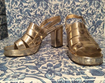 Stunning vintage golden platform shoes/slingbacks in gold/party,prom,wedding