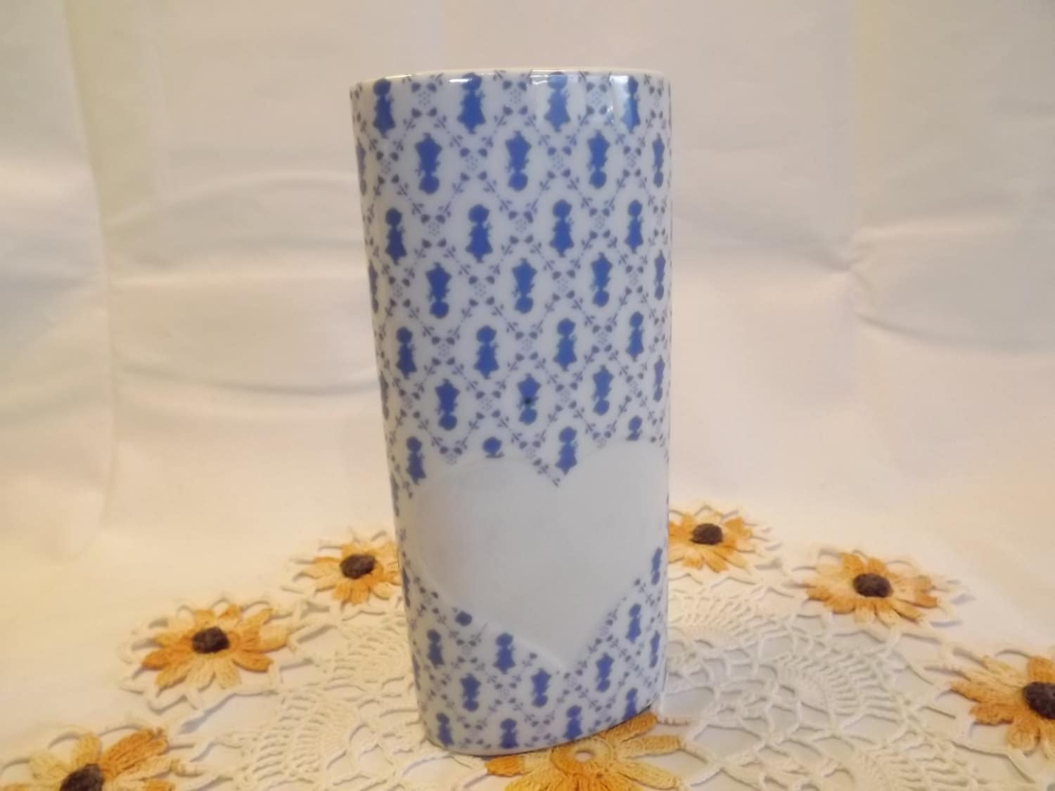 Rare vintage collectible holly hobbie vase white porcelain zoom reviewsmspy