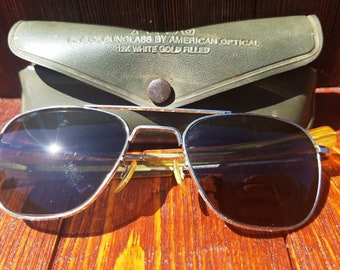 Super Rare Vintage AMERICAN OPTICAL 12K GF 5 1/2 Aviator Sunglasses white gold