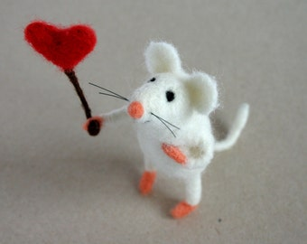 Mouse ornament, Fathers day gift, miniature mouse, white mice felt, artisan miniature, needle felted mouse, felt mouse with heart, I love u