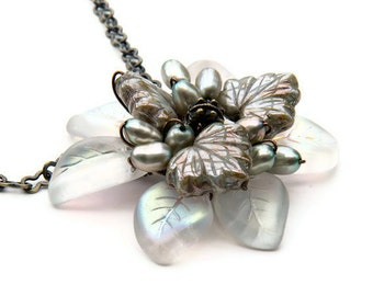 White Green flower necklace, leaf necklace, pendant necklace, floral Jewelry