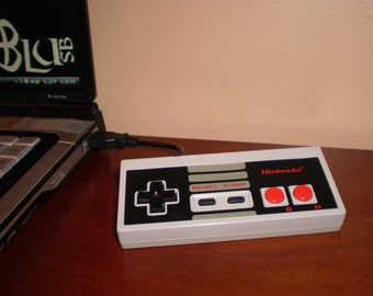 Vintage NES Flash Drive (4GB)