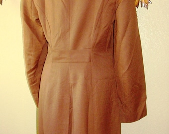 Greco's & Co Coleccion 30 Brown Belted Back Jacket Vintage Gabardine Long Sleeve Mid Length Dress Coat Button Front Chic Vented