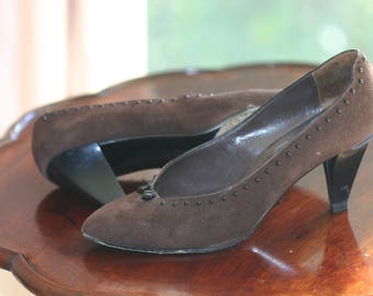 Ladies brown suede shoes leather sole beading detail,Sultana for Accent Made in Italy, size 38 (7.5), 8cm heel (3 inch) elegant, style, chic