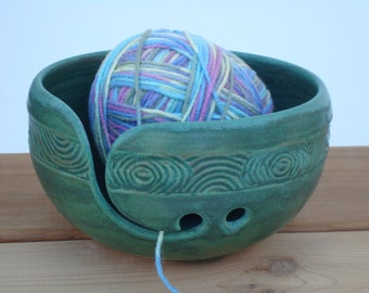 Pottery Yarn Bowl with hand carved design, Copper Patina color, Ceramic Knitting bowl, Crochet bowl, Yarn Holder