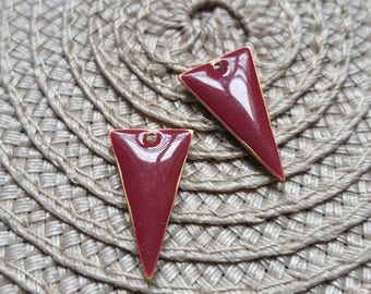 The 2 sequins charms Burgundy enameled triangle with raw brass base