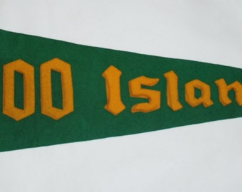 Genuine Vintage 1950s Original 1000 Islands Felt Pennant, Sewn Letters -- Free Shipping!