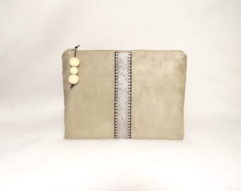 Pouch or large vanity case beige Magda