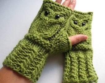 Owl Fingerless Gloves Mittens - Merino Wool Chunky - Moss (Green)
