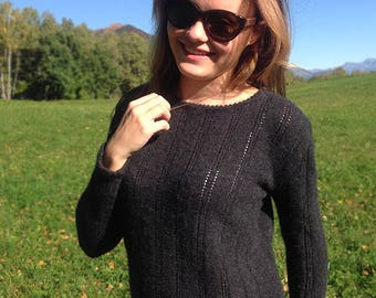 Hand-knitted 100% high-quality cashmere (Lang Yarns) sweater made in Switzerland