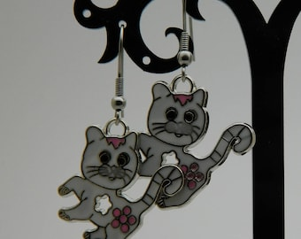 Pink and white cat stud earring