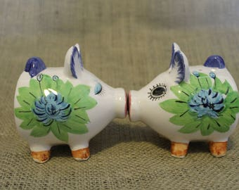 1960's Kissing Pig Salt and Pepper Shakers
