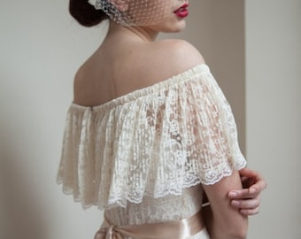 Off the shoulder lace maxi 70's vintage wedding dress, cream lace.  UK 8 to 10. A very beautiful, romantic, alternative, Boho wedding dress.