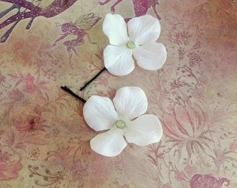 faery flower bobby pins - 2 white flower hair pins w/rhinestone centres, jumbo black pins