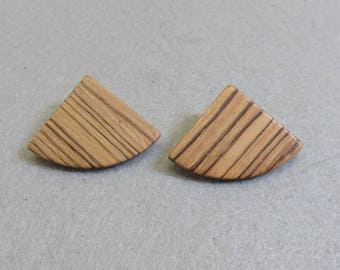 Big Wood Triangle Pierced Earrings, Vintage Wood Earrings, 1970 Earrings