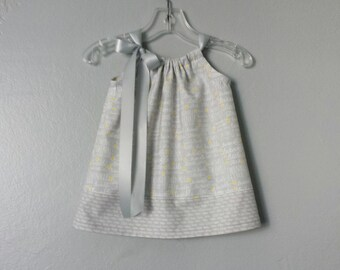 New! Baby Girls Grey and White Dress and Bloomers - Grey & White with Yellow Stars - Twinkle Little Stars - Size Nb, 3m, 6m, 9m, 12m or 18m