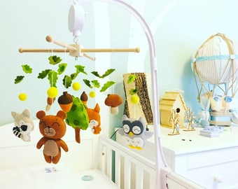 Woodland mobile Baby mobile Nursery mobile Forest animals Crib Cot Hanging mobile Woodland baby shower gift Woodland nursery