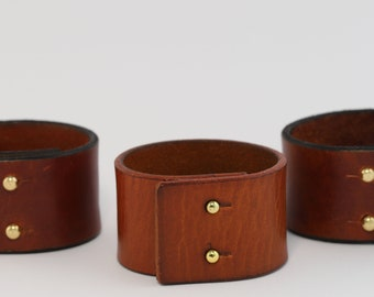 Wrist strap in real leather