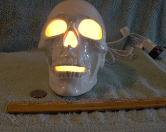 Awesome Light Up Ceramic Human Skull / Skulls new