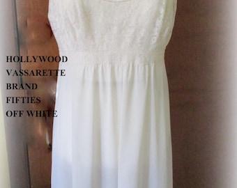 lacy vintage Lingerie Hollywood Vassarette Nightie Gown Off White Medium/Small