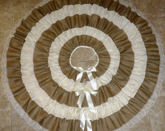 Christmas Tree Skirt in Burlap & Lace - Multiple Sizes