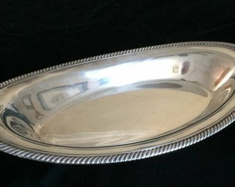 Vintage WM Rogers silverplate Oval Bread Tray WEDDINGS