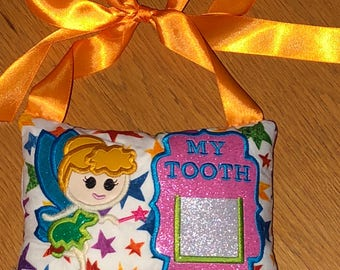 Childrens tooth fairy pillow holder