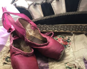 Vintage Shabby Chic Fuscia Pink Ballet Pointe Shoes