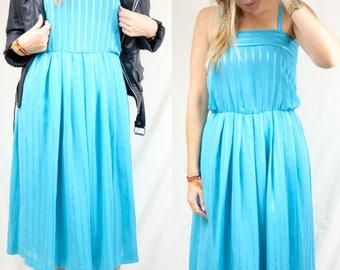 Romantic blue dress with shoulder straps / Vintage clothing / Size Medium / US 6 / UK 10 / Europe 38