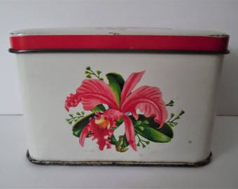 Vintage Tin. Pretty Floral tin. Storage tin.Retro Tin.