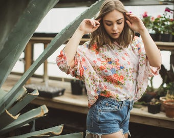 Vintage Hawaiian Shirt Dolman Sleeve Button Up Floral Swing Top Slightly Cropped Pink
