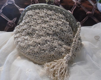 Gold-coloured yarn clutch, purse with CLAC Click Closure, clutch bag with metal clasp