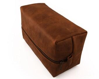 Premium Mocha Thick Leather, Classic Dopp kit, Shaving Bag, groomsman gift, Leather mens gift, luggage storage