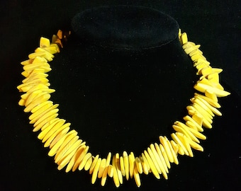 Vintage Yellow Shell Necklace