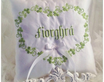 Shamrocks Heart Ring Pillow fiorghra True Love or First Names Personalized Gaelic Celtic Irish Wedding Ceremony Embroidered