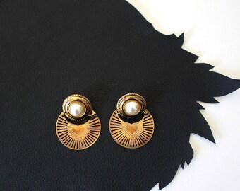 Vintage Radiating Heart Brass Pierced Earrings
