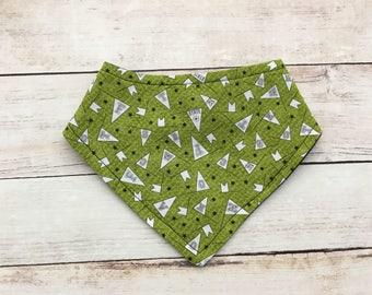 boy bandana bib - sport bib - baby bib - bib for boy -  green bib - baby shower gift - baby accessories - boy baby bib