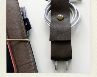 Pack with cable and cable Brown iphone charger - worn