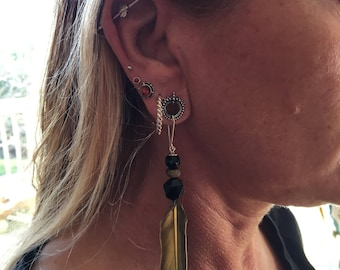 Feather tunnel earrings with onyx, agate