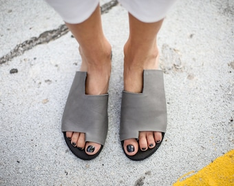 SALE, Grey Leather Sandals, Handmade Sandals, Flat Sandals, Grey Summer Shoes, Slide Sandals, Toe Ring Sandals, Slip On Sandals, Simone