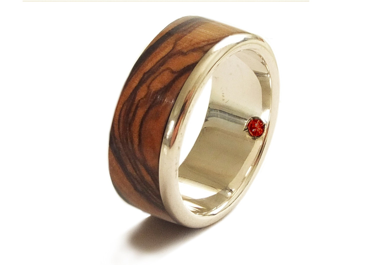 zoom - Garnet Wedding Ring