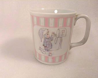 "Vintage 1988 Precious Moments  Christmas Mug ""Sending You a White Christmas"""