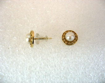 The Filigree Button - gold and pearl earrings