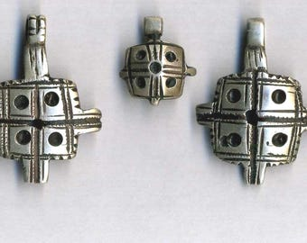 Morocco - Old Berber (9) silver beads for necklace
